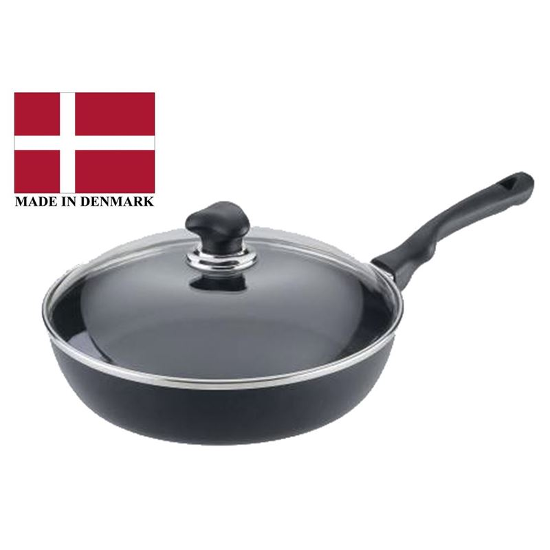 Scanpan – Ergonomic Handled Stratanium Non-Stick Saute With Lid 28cm (Made in Denmark)