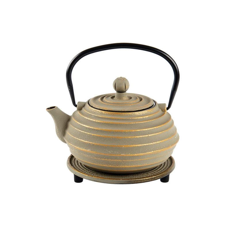 Benzer – Orient Express Osaka Cast Iron Tea Pot 700ml and Trivet Set Beige with Gold Finish