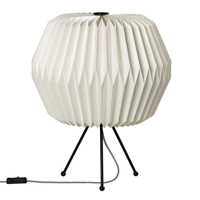 Wild & Wolf – Table Lamp with Paper Shade