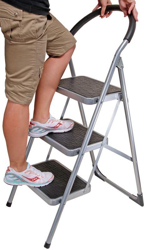 Benzer – Klaus 3 Step Ladder