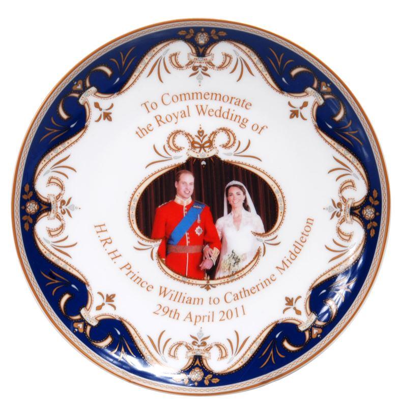 Royal Crest – Fine Bone China William & Catherine Blue Plate 20cm