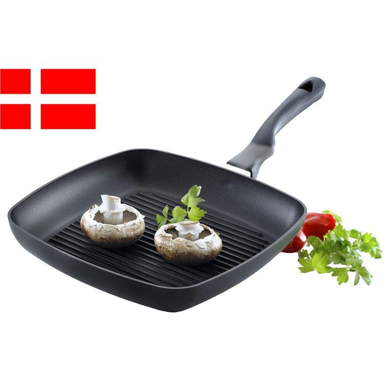 Scanpan – Ergonomic Handled Stratanium Non-Stick Square Grill Pan 27x27cm (Made in Denmark)