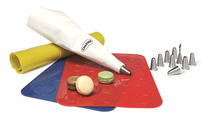 Chasseur – Patisserie 3 pce Macaron Silicon Baking Sheets with Piping Bag & Nozzles Set
