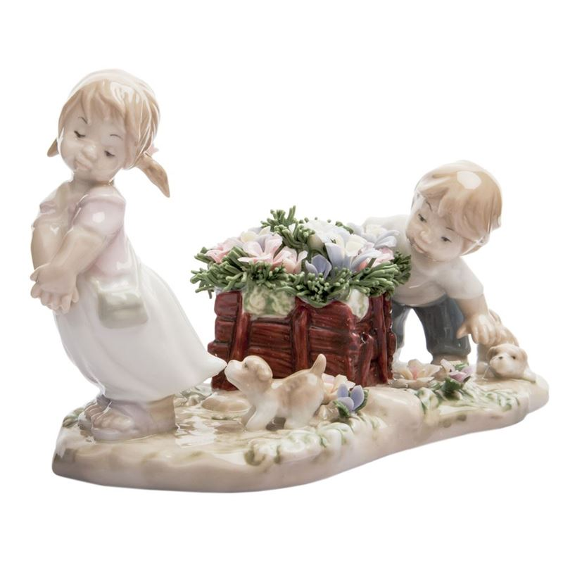 Dan Samuels – Children at Play Porcelain Figurine 16.5cm
